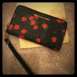 Beautiful Rose Wallet!! 🌹